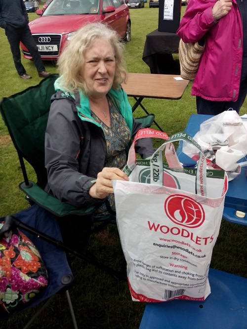 Freegle moderator Judith-Ann showing her upcycled shopping bag