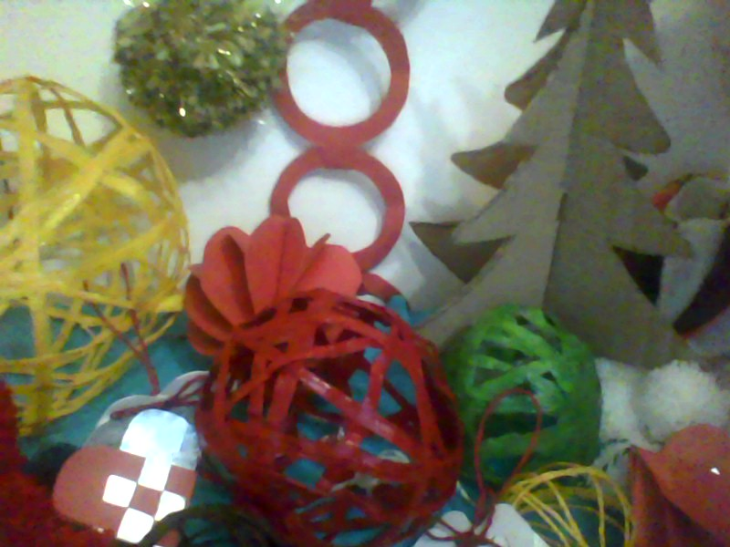 Homemade christmas baubles penrith and eden district freegle for Water balloon christmas decorations